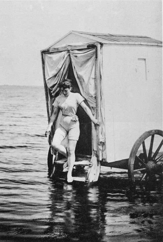 Купальные машины 19 века или пляжный этикет прошлого – Zagge.ru